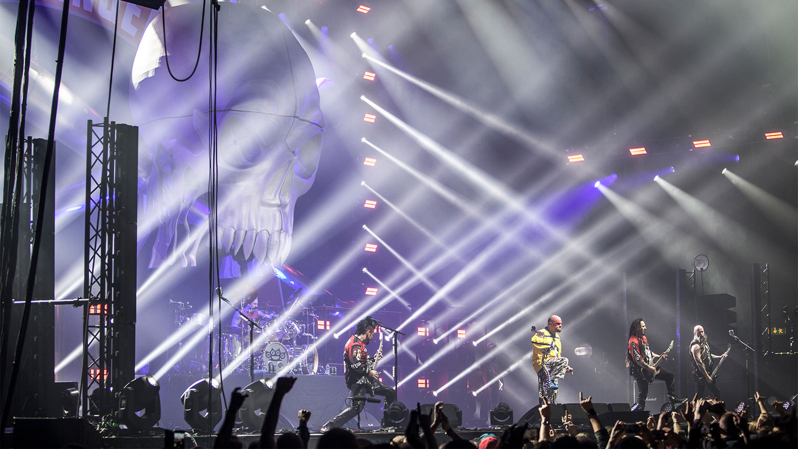 JDC1 catches fire on In Flames' european arena tour